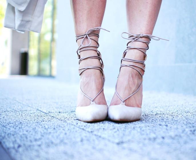 czarne szpilki sandały